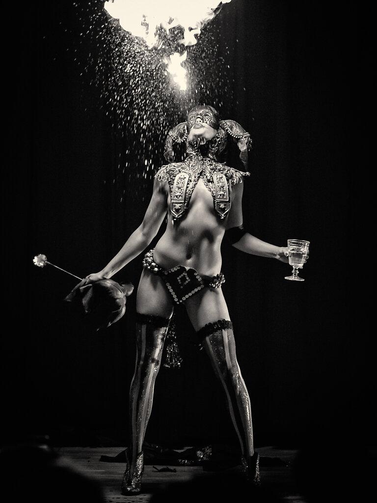 Burlesque VI